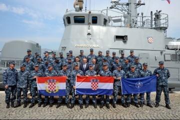 Raketna topovnjača 'Dubrovnik' otplovila u NATO operaciju