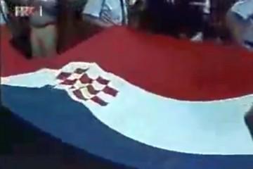 20. lipnja 1990. – podignut hrvatski barjak pred Hrvatskim saborom