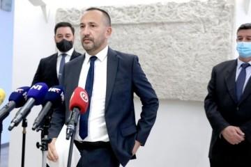 NAČELNIK BOROVA OBJAVIO STATUS O OLUJI, ZEKANOVIĆ 'POLUDIO': 'Zamislite da neki načelnik u Francuskoj žali za njemačkom okupacijom'