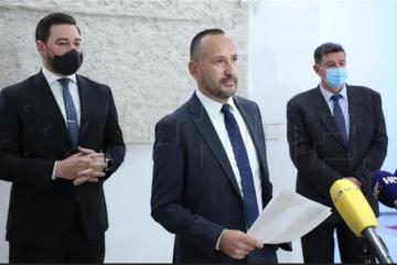 Hrvatski suverenisti pozvali 'internet ratnike protiv vjeroučitelja' da riješe zadatak