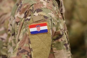 (VIDEO) 3. studenoga 1991. Hrvatska vojska – slavna pobjednička vojska i danas stoji na braniku Domovine!