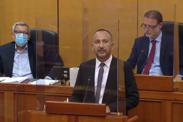 Hrvoje Zekanović: 60 posto cijene goriva otpada na trošarine, smanjite ih