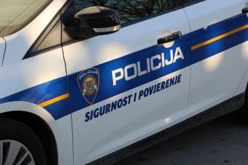 Vozio brzo i udario biciklista na cesti: Muškarac (51) poginuo