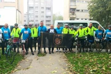 """NOVO Biciklistički ultramaraton Ledinac - Trpinjska cesta ( Vukovar ) : U Karlovcu se priključili i """" Tigrovi"""" iz Rakitja"""