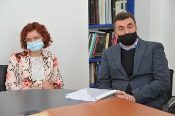 Kajkić predao dr. Bosanac dio dokumentacije nestale iz vukovarske bolnice 1991.