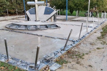 PORAZBIJAN SPOMENIK BRANITELJIMA: Oštećen spomenik poginulim branitelja Viteza