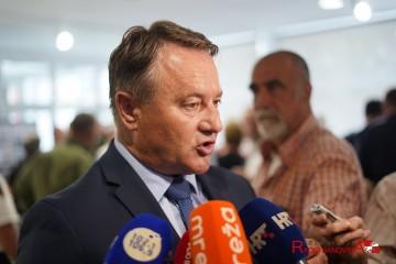 Župan Žinić osudio uništenje spomenika hrvatskim braniteljima u Sisku