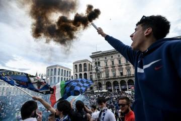 Ludo slavlje u Milanu. Inter i matematički osigurao naslov prvaka Italije!