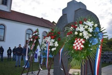 30 godina od nekažnjenog masovnog zločina srpskih terorista nad Hrvatima u Širokoj Kuli