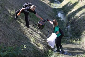 Aktivisti Greenpeaca i Čisteći medvjedići iz potoka Črnomerec izvukli 80 vreća smeća
