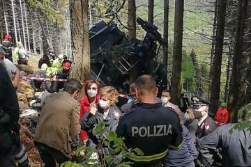 Raste crna bilanca: Najmanje 13 mrtvih u padu žičare na sjeveru Italije, dvoje djece teško ozlijeđeno