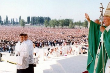 11. rujna 1994.g. - Papa Ivan Pavao II održao misu na hipodromu