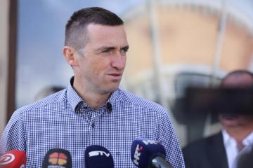 Penava: Da je netko zapalio zastavu Srbije, sve bi gorjelo, a u vijestima bi se svi vodeći političari izmjenjivali u osudama