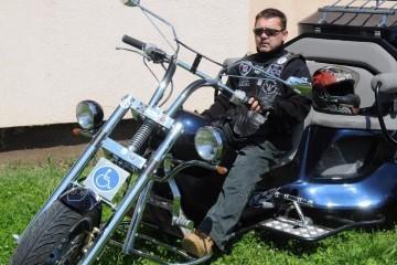 LEGENDA U RATU, LEGENDA NA MOTORU: Ivica je sam osmislio svog 'Jezdimira' bez kojeg nema moto-susreta u Vukovaru!