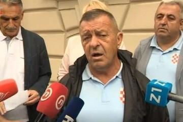 Banitelji Petrinja DORH-u predali kaznenu prijavu protiv Pupovca
