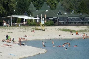 LOŠE VIJESTI ZA PLIVAČE: Na zagrebačkom Jarunu kvaliteta vode nije dobra pa ovog ljeta nema kupanja na većini plaža