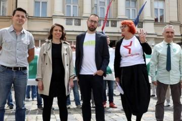 Tomislav Tomašević je jeftini politikant i politički mešetar koji obmanjuje javnost - on je sve samo ne neovisan, čovjek je establishmenta, lutka na koncu današnjih globalista