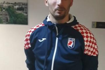 """RATNIK KARAČIĆ OBJAVIO VIDEO PORUKU: """"I s jednom nogom ću igrati, ako treba"""""""