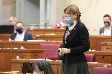Karolina Vidović Krišto: Postoji li ijedna država koja obeštećuje agresorske vojnike, osim Hrvatske?