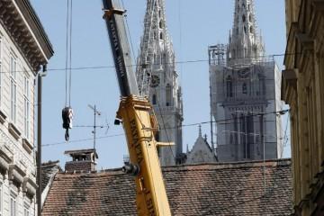 Na modrom nebu iznad Zagreba: Dizalice preplavile glavni grad, provjerili smo koliko koštaju