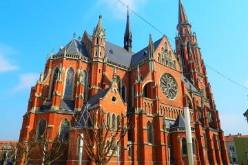 6. rujna 1991. granatirana konkatedrala  Svetog Petra i Pavla  u Osijeku