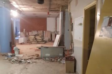 KAOS U ZAGREBAČKOJ BOLNICI: Bager radi metar od pacijenata! 'Urušavaju se zidovi i prozori, nestane struje pa se gase aparati'