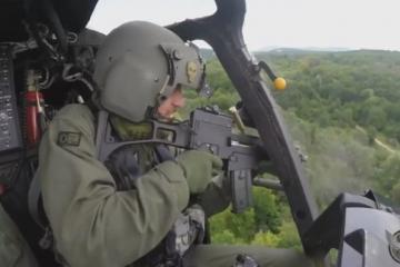 Snimka s obuke pilota hrvatskih Kiowa