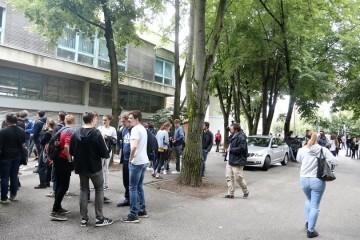 Lovrić predložio da se svi zagrebački srednjoškolci od ponedjeljka vrate u školske klupe
