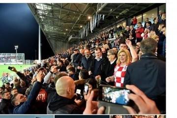 """Nevjerojatno ali istinito, srpski mediji tvrde da je Grabar-Kitarović """"skandalozno provocirala Srbe"""" pozivom """"igrajte za Vukovar"""""""