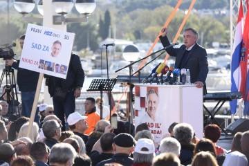 VIDEO Škoro u Splitu: S kim ćete me svađati? S mojim narodom, s mojom Crkvom? Sram vas bilo!