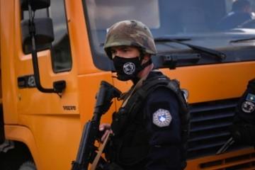 DRAMA NA KOSOVU! SUZAVAC, BLOKADA, SNAJPERI, SPECIJALCI I HELIKOPTERI: Oglasio se i NATO, svima poručuju da se smire