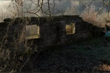 15. studenoga 1991. Pokolj svih Hrvata u Kostrićima – četnici ubili djecu Darija (4) i Tomislava (2) te starca Petra (93)