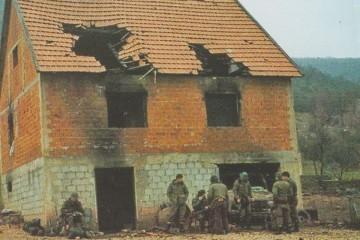 U studenom 1991. godine ratom zahvaćenu Liku pošli su braniti između ostalih i brojni stanovnici otoka Krka okupljeni u krčku bojnu 111. riječke brigade Hrvatske vojske…