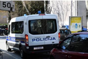 Zagrebačka policija prijavila desetorku za krijumčarenje migranata