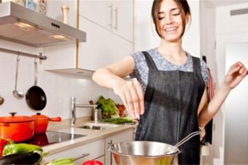 Pobuna žena protiv kuhinje i kuhanja