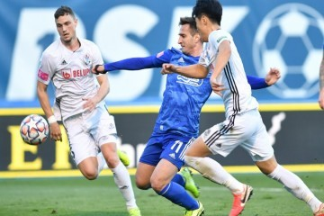 Bruno Petković i Arijan Ademi 'slomili' su čvrsti Slaven Belupo i tako odveli Dinamo u polufinale Kupa