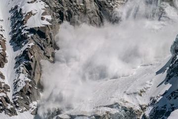 Petero mrtvih u lavinama u Austriji