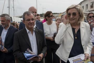 Le Pen na putu prema povijesnoj pobjedi: Bivši Sarkozyjev ministar trasira joj put prema Elizejskoj palači