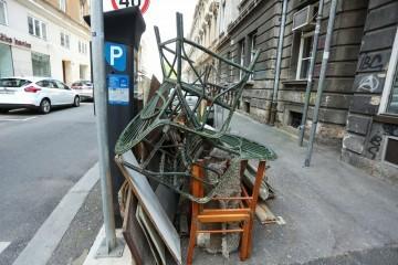 Glomazni otpad u Zagrebu se ne odvozi, ne primaju ga ni reciklažna dvorišta