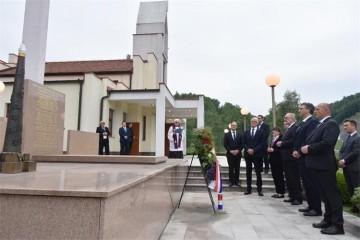 Premijer Plenković u Maclju obilježio 75. obljetnicu Križnog puta