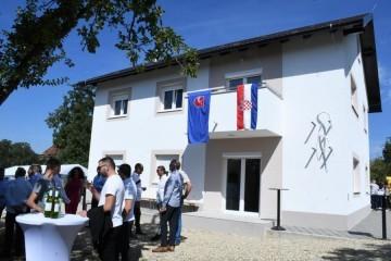 Makarani pokrenuli inicijativu i obnovili kuću obitelji kod Petrinje