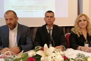 Maloljetni branitelji na tribini u Vukovaru
