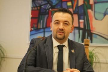 Podcast Velebit – Marijan Pavliček: Plenković i Pupovac u tajnosti mijenjaju Zakon o lokalnim izborima u korist Srba