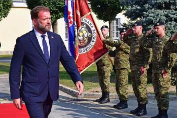 Ministar Banožić: Nastaviti s projektima modernizacije i opremanja HV-a
