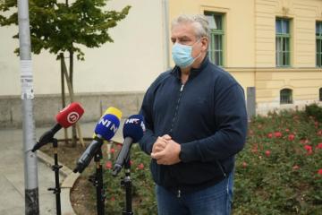 Ravnatelj Vinogradske: Završila je operacija, policajac nije životno ugrožen!