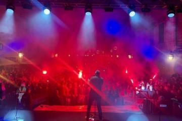 Spektakl i ponos na Stradunu: Thompson zapjevao za Dan dubrovačkih branitelja