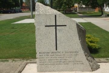 4. lipnja 1992. godine hrvatska je javnost doznala za masovnu grobnicu s 208 hrvatskih žrtava u okupiranim Tordincima