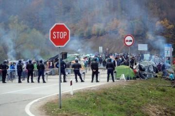 BOŽINOVIĆEV NAJVEĆI PORAZ! Zbog migranata će nam nadzirati policiju. Hrvatska je prva država u EU koja je pristala na to. Što će reći Orban?