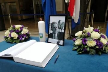 Komemoracija za gradonačelnika održat će se u utorak, pogreb u srijedu