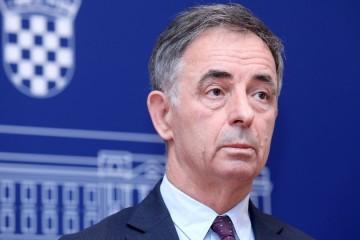 MILORAD PUPOVAC: Vučićev poziv Srbima? Svi bi trebali imati osjećaj slobode da, uz zastavu RH, razviju i srpsku trobojku'